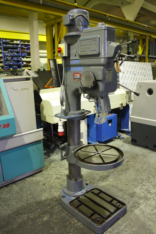 Elliott 4E Pedestal Drilling Machine for sale : Machinery-Locator.com