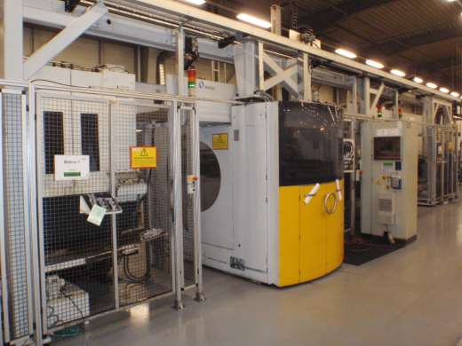 MAKINO - J66 with Felsomat Loading System for sale ...