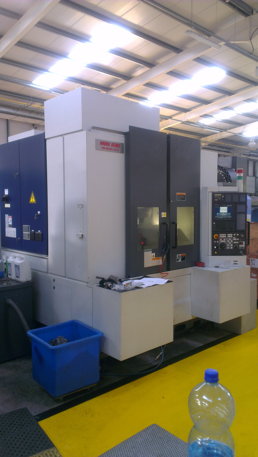 Mori Seiki NV4000 DCG for sale : Machinery-Locator.com