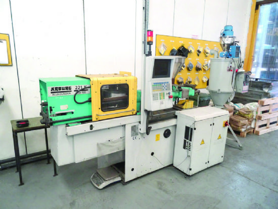 ... Plastic Injection Moulding Machine for sale : Machinery-Locator.com