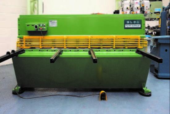 ... 1018 Hydraulic Guillotine . for sale : Machinery-Locator.com
