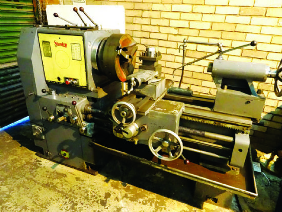 used heavy duty lathe machine for sale