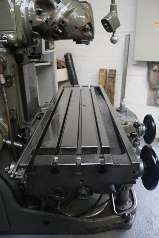 Huron KU4 Ram Type Universal Milling Machine for sale ...