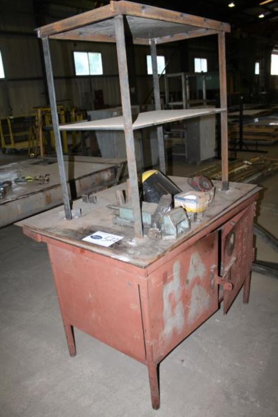 APPROX 4x4 WORK BENCH C/W ENGINEERS VICE & CONTENTS for ...