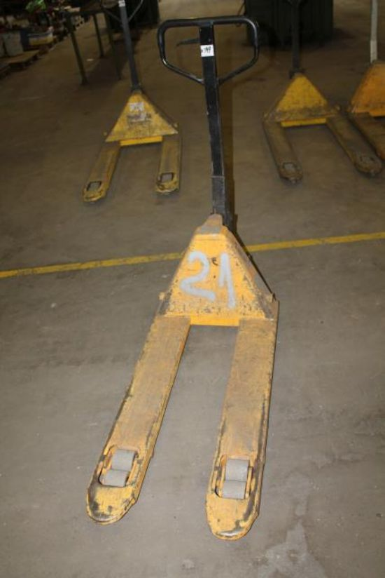 AC 2.5 TON PALLET TRUCKS for sale : Machinery-Locator.com
