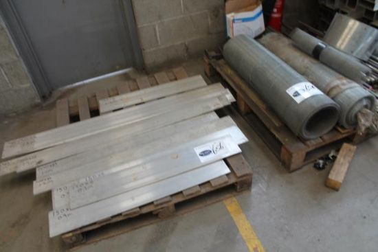 2No. PALLETS OF ALUMINIUM PLATE & ROLLS OF METAL MESH for ...
