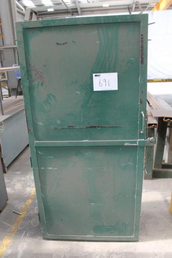 ... STORAGE CUPBOARD - Note: No Keys for sale : Machinery-Locator.com