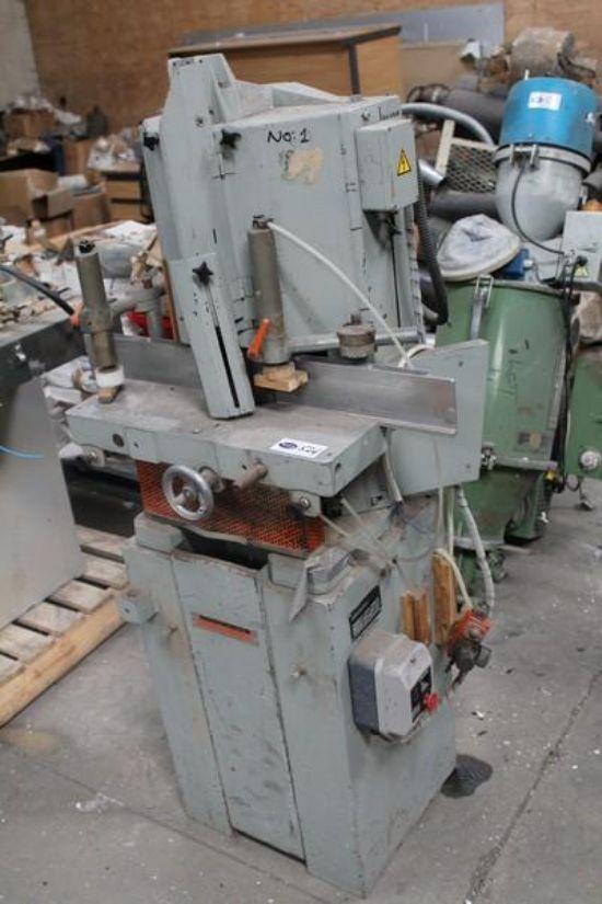 ELUMATEC KS101 3 PHASE V-NOTCH SAW for sale : Machinery ...