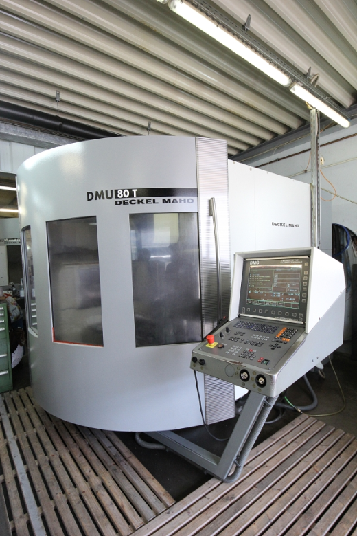 2001 DMG DMU 80 T for sale : Machinery-Locator.com