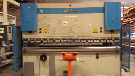 Baykal Press Brake 3mt/150 Ton for sale : Machinery-Locator.com