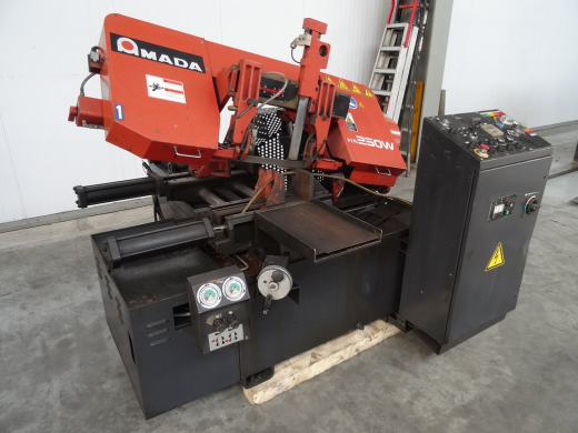 AMADA HA250W Fully automatic, hitch feed, band-saw. Offered in very nice condition, fully run, check