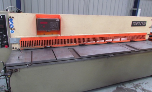 2550MM X 4MM mild steel, power back gauge ,year 1991,squaring arm ,front support arms