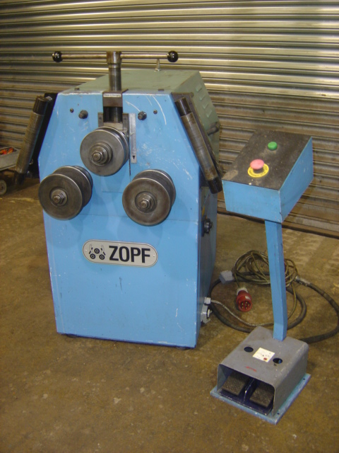 Shaft dia 40mm, Motor 1.1kw, Capacity; angle 50 x 6mm, Flat 60 x 10mm on edge / 100 x 15mm on face,