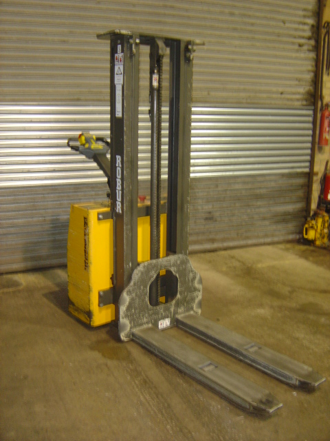 Capacity 1000kg, lift height 3000mm,