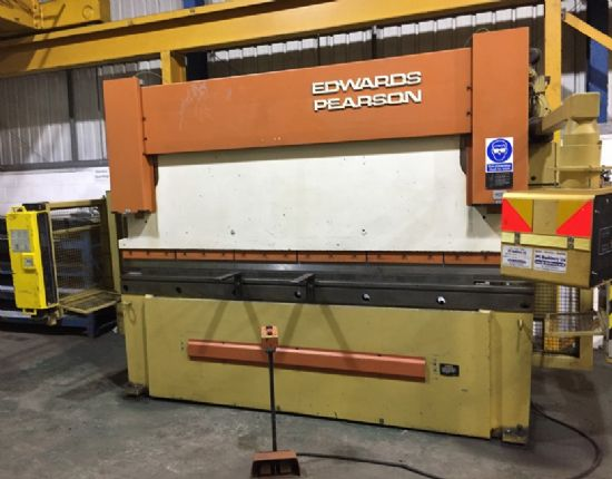 125 ton x 3100mm, serial number 943, 91P060, full length tooling.