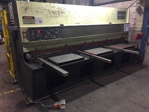 AFM Hydraulic Guillotine Model Mk6-31, serial number CHGS/9-90272-TB, Capacity 6mm x 3100 mm Mild St