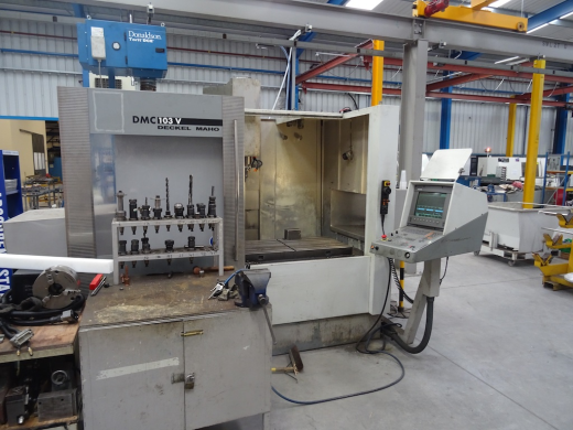CNC Vertical Machining Centre with 4th axis