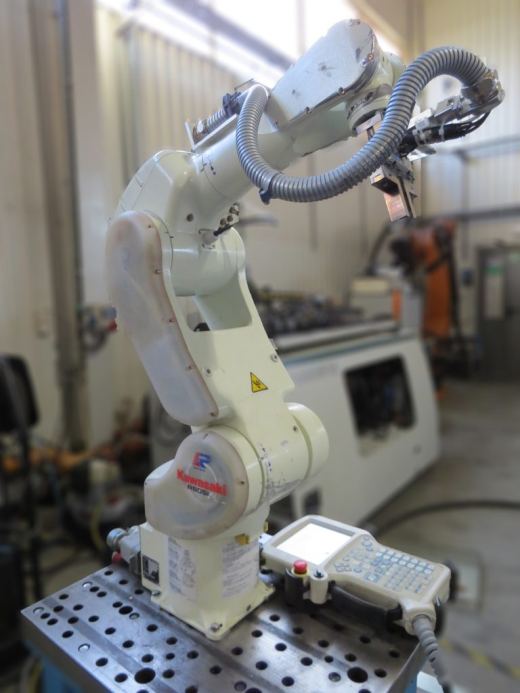 Max robot reach 903mm, 