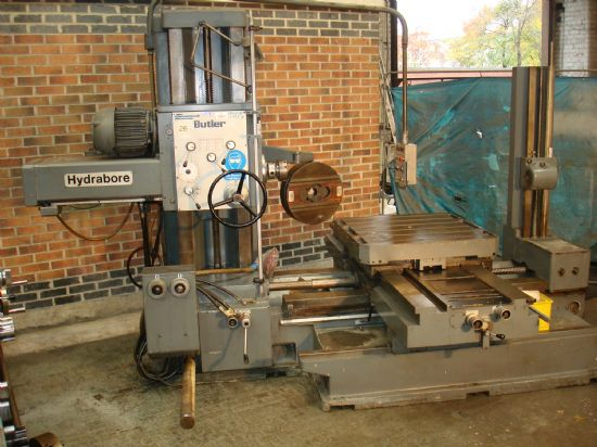 Table size 920 x 920 mm, Spindle 5mt, Extend wide bed 1500 mm, C/w boring bars & Tail stock Excell