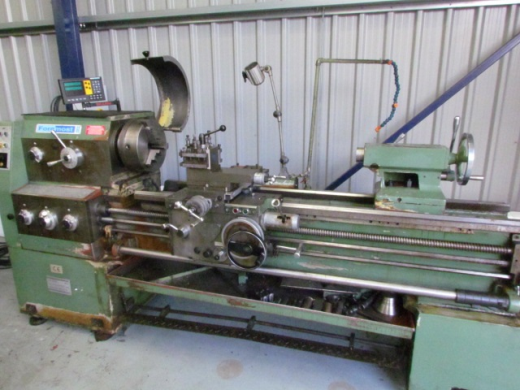 500mm swing x 1500mm between centres gap bed ,with equipment ,spindle speeds 9-1600rpm,digital reado