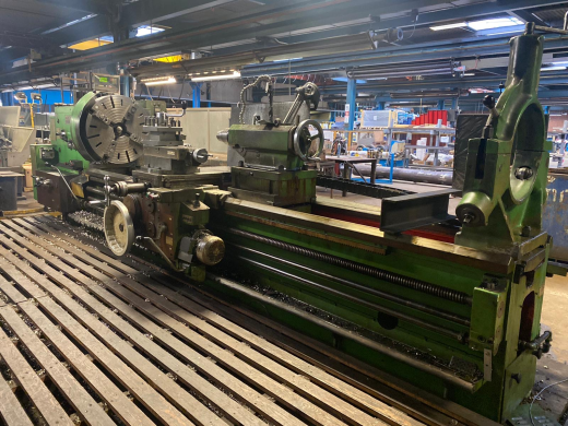 Mostana 16K40 x 3000mm Gap Bed Centre Lathe Swing over bed 800 mm Distance between centres 3,000 m