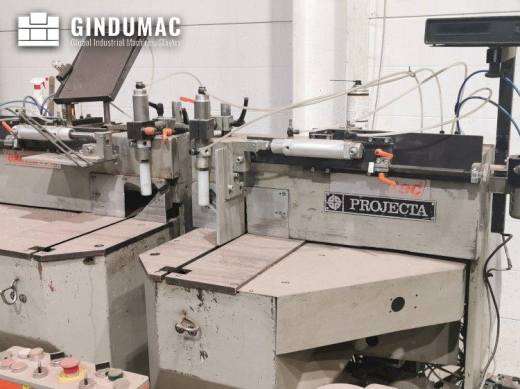 This Elumatec DG 104 Sawing Machine was manufactured in 1988 in Germany. This machine has a cutting