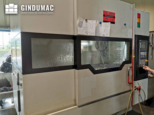 This Quaser MV184P Vertical Machining Center from 2015 was built in Taiwan. It is equipped with a SI