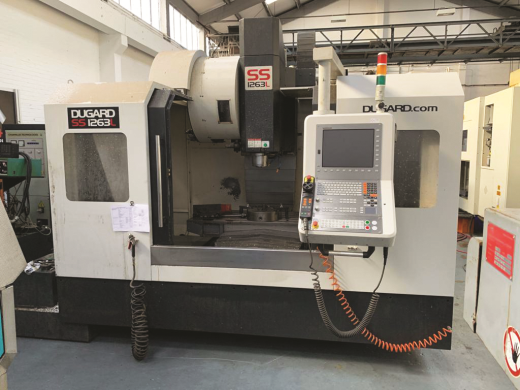 12,000RPM direct-drive spindle,  thru coolant,   1,200kg sd table load.  YOM 2015