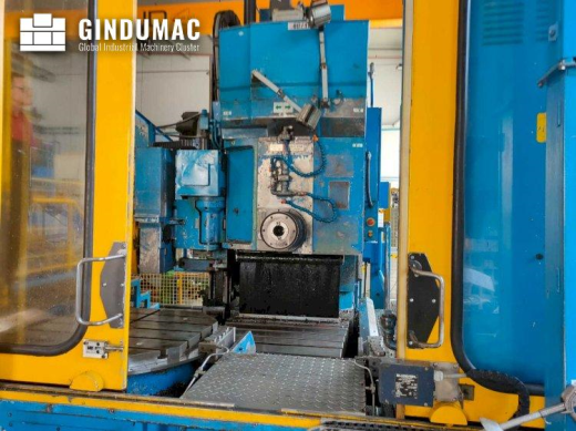This Cincinnati MILACRON 20-HC-2500 Horizontal Machining Center was made in 2007. It is equipped wit