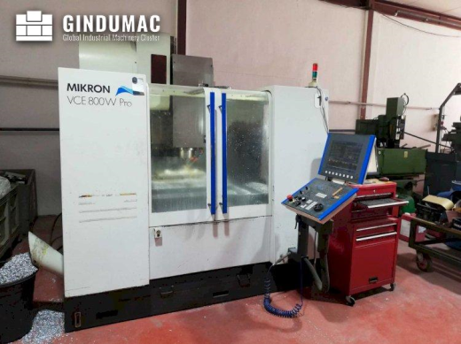 This MIKRON VCE 800 WPRO Vertical Machining Center was made in Switzerland in 2002. It is equipped w