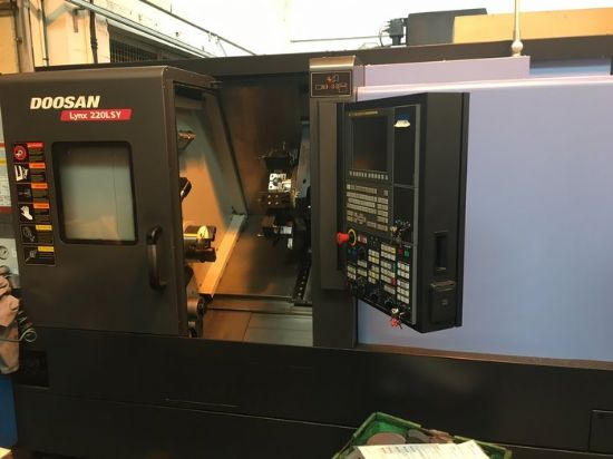 Twin Spindle Turn Mill Cnc Lathe Doosan Lynx 220 For Sale