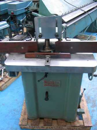 "CAPACITY 		Spindle Diameter 30mm (1 ¼"" )