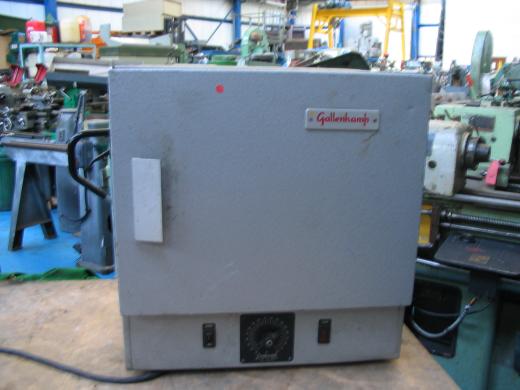 Oven 30 - 200 degrees centigrade CAPACITY  Chamber Size 15