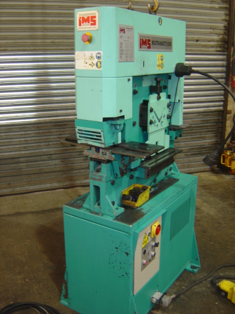 50tons, punch cap 32mm thru 11mm, shear cap 300 x 10mm / 200 x 13mm, Angle shear 80 x 80 x 8mm, vert
