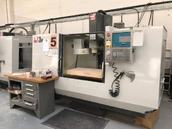 New 2011, Haas CNC, BT40, speeds to 6000rpm, coolant, 1467 x 368mm table, X=1016 Y=508 Z=508mm capac