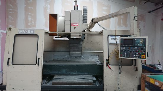 Control: Fanuc OM Table size: 1800 x 820mm Travesrese: 1350 x 750 x 750mm Spindle Taper: BT50 AT