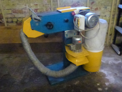 100mm belt width Single Speed Dust extraction. In excellent condition and little used.