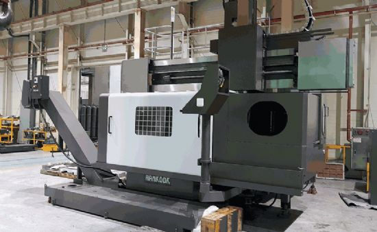 HEAVY DUTY FIXED CROSSRAIL RAM TYPE CNC VERTICAL BORING AND TURNING MACHINE WITH HARDENED & GROUND B