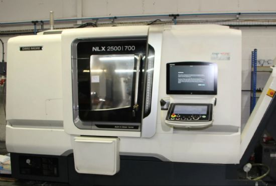 Serial number NL 256150635, max. turning length 728mm, turning diameter max. 360mm, X =260mm, Z = 79