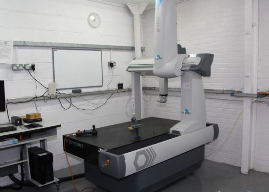 Serial number GLOA 000738, with manual control unit, calibration ball, probe, hexagon system, AH-C-V