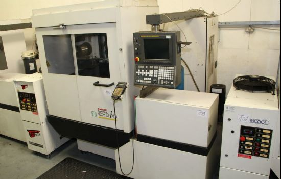 Control FANUC SERIES 180 IS-WB, travels X 320 mm, Y 220 mm, U 120 mm, V 120 mm, Z 255 mm, max. workp