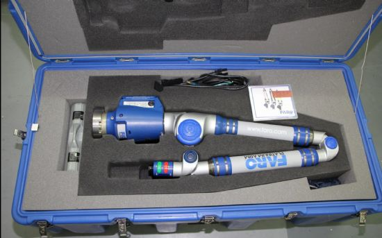Serial number P 06-02-07-22896, with CD, power supplies, various measuring heads, in plastic box Te