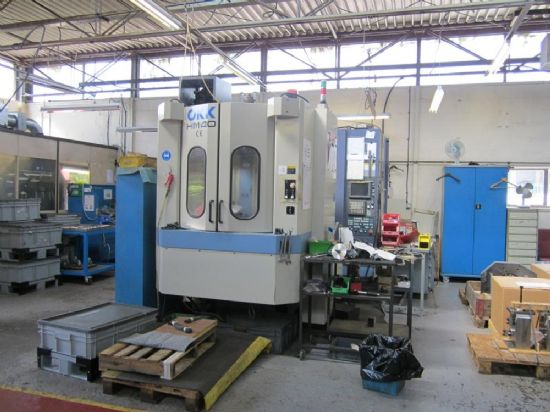 with Fanuc 16i-M Control, Pallet Size 400 x 400mm, Full B Axis with 0.001 deg Table, 60 ATC, Renisha