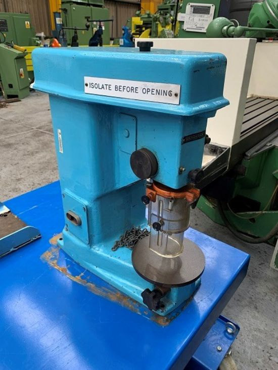 Model MB10, Serial No 734, Spindle Speeds 3000 – 10,000 rpm, Throat Depth 150mm, Table Diameter 175m