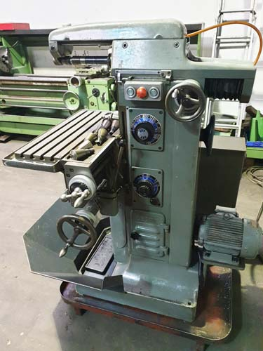 DECKEL FP1 UNIVERSAL TOOLROOM MILL 40 Int. Spindle : 16 Speeds 40 - 2000rpm : Table 600 x 210mm : Po