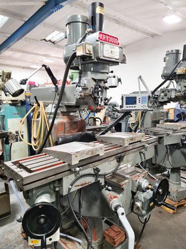 XYZ KRV 3000SLV TURRET MILL 40 Int. Spindle : Variable Speeds 70 - 3600 rpm : Table 58