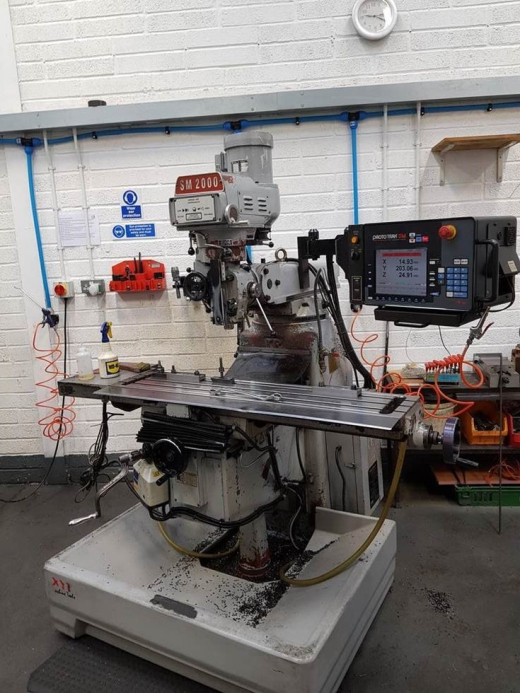 XYZ SM2000, 2004, Prototrak SM2 Axis control, 3-axis DRO,  power feed vertical, table 1270 x 254mm,