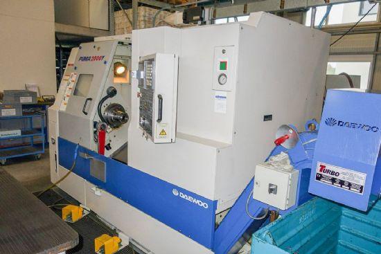 MAKE DAEWOO MODEL PUMA 2000Y YEAR 2003 CONTROL FANUC 18iTB MAX TURNING DIA 330 mm MAX TURN