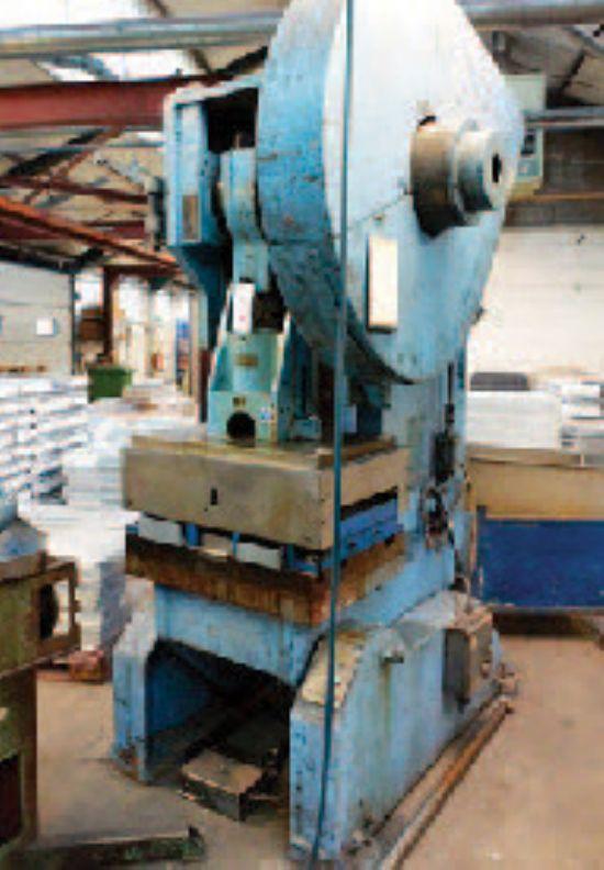 Rhodes 75 ton (2 off),  HME LH70 ton, GP55 ton, GH40 ton (4 off), GP40 ton, OP40 ton, GP30 ton (3 o