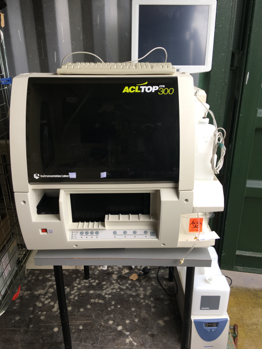 IL ACL TOP 300 CTS Coagulation Analyser in mint condition- Very lightly used. Sold with software and